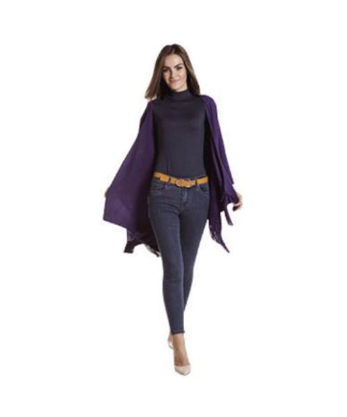 stola con frange maglia a collo alto e jeans stretch abbigliamento donna we-shop